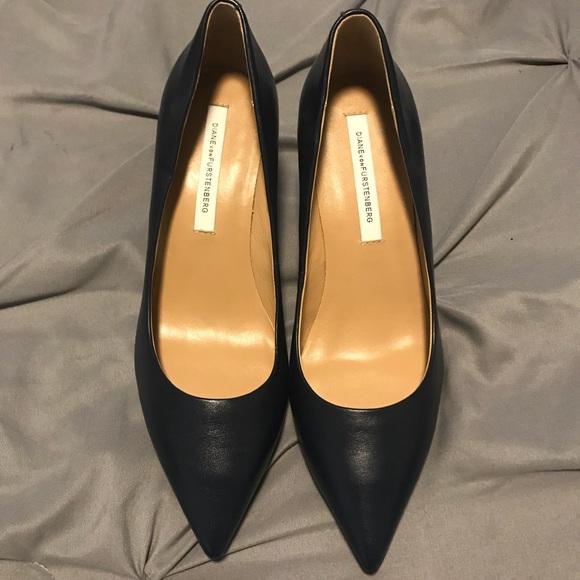 Diane Von Furstenberg Woman Metallic Leather Loafers Silver Size 6.5 Diane Von F MomV8ttkI